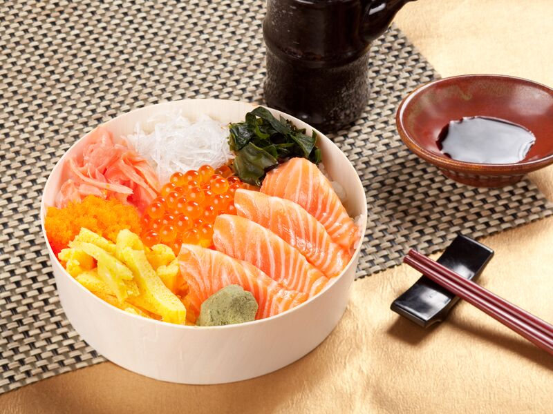 16.鮭魚親子丼